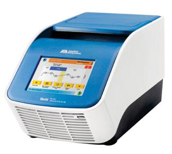 Imagen: El termociclador Veriti de Applied Biosystems (Fotografía cortesía de Life Technologies).