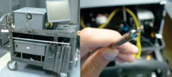 Imagen: La fotografía en la izquierda muestra toda la espectroscopía, tres en uno, en un carro que se puede transportar fácilmente. La fotografía de la derecha es una aproximación de la sonda (Fotografía cortesía de la Universidad de Texas, Austin).