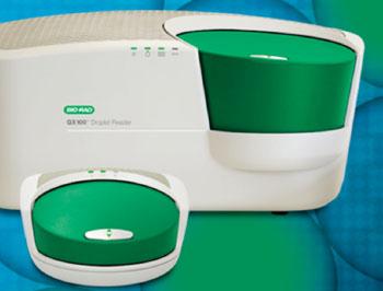 Imagen: El lector de gotitas QX100 para sistemas digitales de gotitas de PCR (Fotografía cortesía de Bio-Rad).