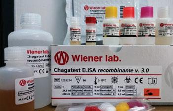 Imagen A: El kit de análisis recombinante Chagatest ELISA v 3.0 para el diagnóstico de los individuos infestados por Trypanosoma cruzi (Fotografía cortesía de Wiener Lab).