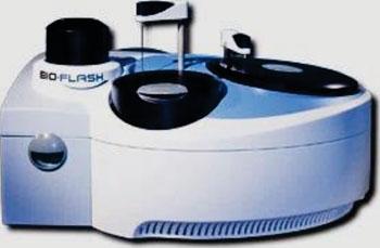 Imagen: El analizador de quimioluminiscencia de respuesta rápida Bio-Flash (Fotografía cortesía de Inova Diagnostics).